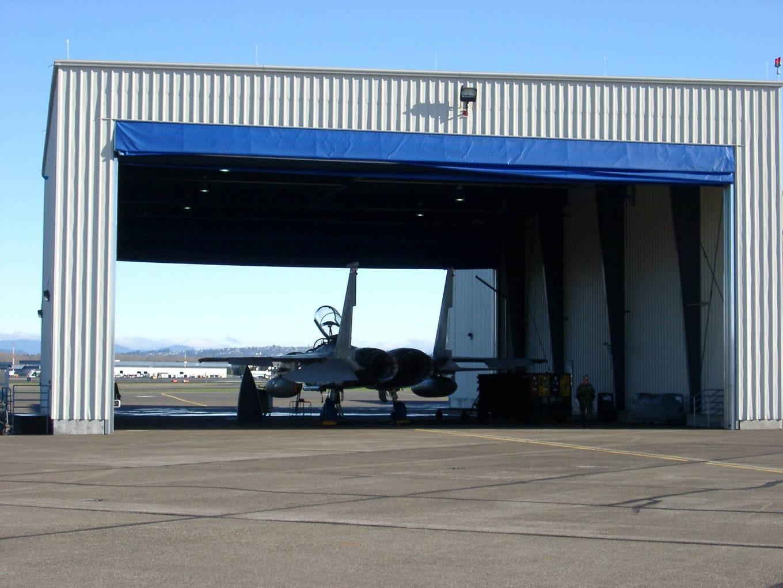 44 Hangars